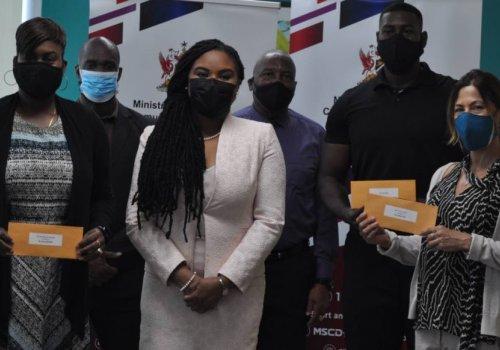 Sport Minister presents $450k to elite athletes